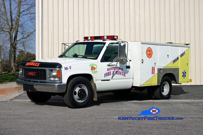 <center> RETIRED <br> Munfordville  Rescue 67 <br> 1995 GMC 3500 4x4/Knapheide  <br> Kent Parrish photo <br> </center>