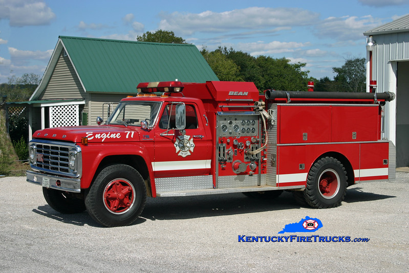 <center> Priceville  Engine 71 <br> 1971 Ford F-700/Bean 1000/750 <br> Kent Parrish photo </center>