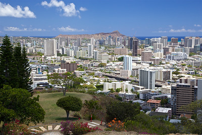 HI-150607-0005 Honolulu from Punch Bowl National Cemetery