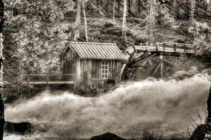 Generator House in Atnbrua (HDR)