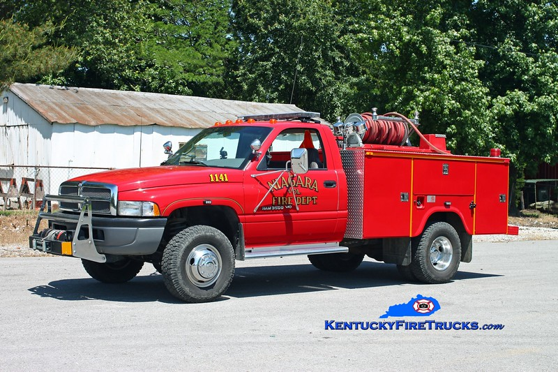 <center> Niagara  Squad 1141  <br> 1996 Dodge 3500 4x4/Omaha 250/250 <br> Kent Parrish photo </center>