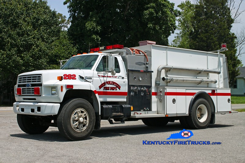 <center> Reed  Tanker 262  <br> 1992 Ford F-800/Quality 500/2000 <br> Kent Parrish photo </center>