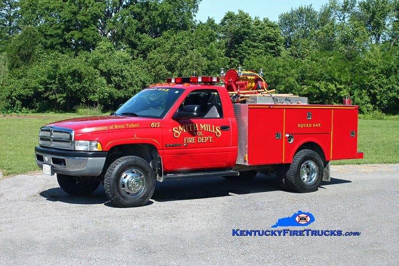 <center> Smith Mills  Squad 615  <br> 2002 Dodge 3500 4x4/Omaha/Gerry's Automotive 250/250  <br> Kent Parrish photo </center>