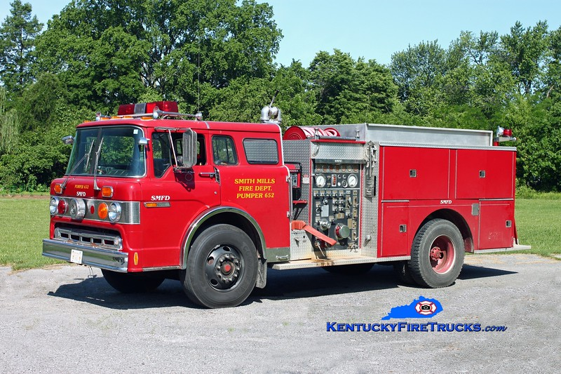 <center> RETIRED <br> Smith Mills  Pumper 652  <br> x-Henderson, KY <br> 1981 Ford C-8000/Pierce/Local 1000/1000 <br> Kent Parrish photo </center>