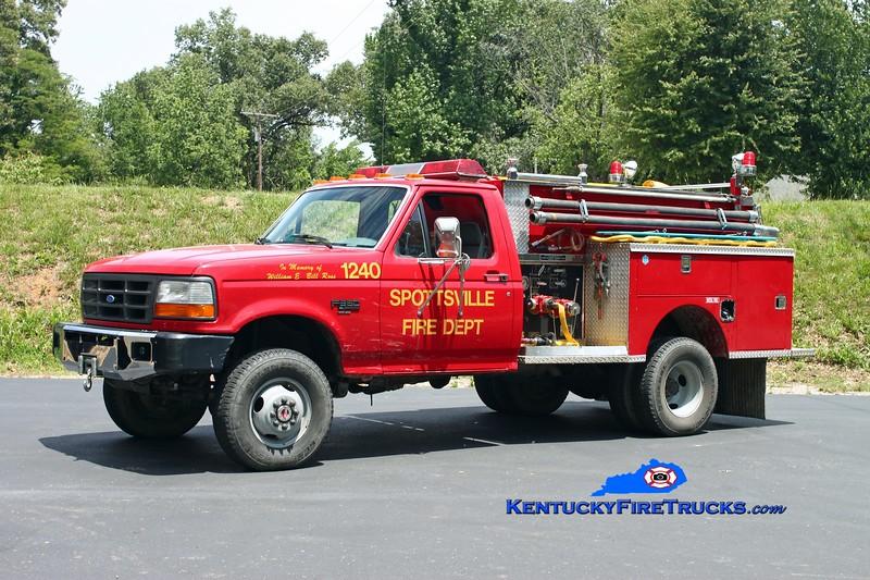 <center> Spottsville  Squad 1240 <br> 1994 Ford F-350 4x4/1974 Pierce 300/250 <br> Kent Parrish photo </center>
