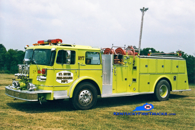 <center> RETIRED <BR> Kentucky River  Engine 7 <br> 1975 Oshkosh/American 1250/650 <br> Greg Stapleton photo </center>