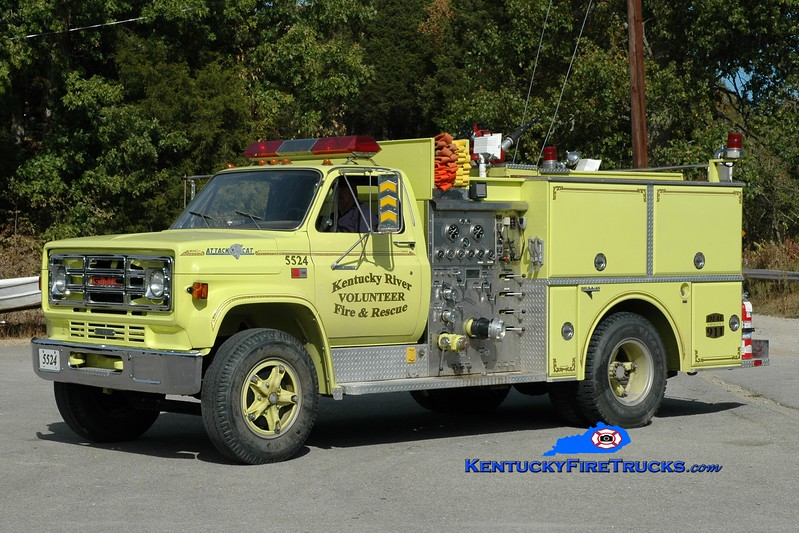<center> Kentucky River  Engine 5524 <br> x-Botsford, CT <br> 1984 GMC 7000/Grumman 1000/500 <br> Greg Stapleton photo </center>