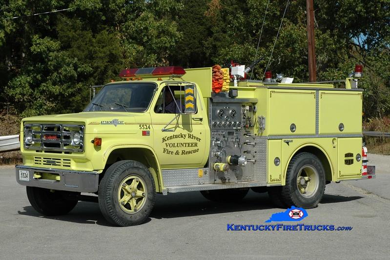 <center> Kentucky River  Engine 5524 <br> x-Botsford, CT <br> 1984 GMC 7000/Grumman 1000/500 <br> Greg Stapleton photo </center>