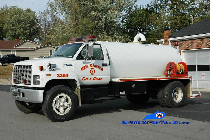 <center> RETIRED <br> New Castle  Tanker 3364  <br> 1990 Chevy/Local 250/1500 <br> Greg Stapleton photo </center>