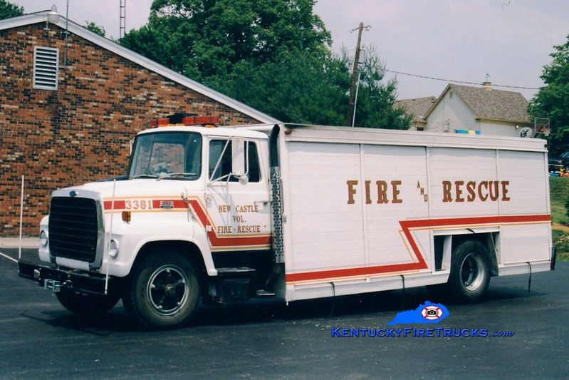 <center> RETIRED <br> New Castle  Rescue 3381  <br> 1977 Ford L/Hesse  <br> Greg Stapleton photo </center>