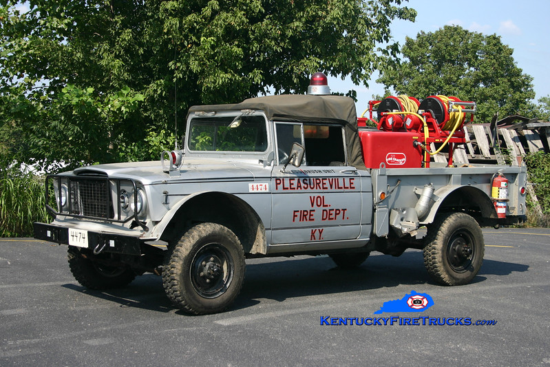 <center> RETIRED <br> Pleasureville  Brush 4474 <br> 1967 Kaiser 4x4/Marco 250/250 <br> Kent Parrish photo </center>