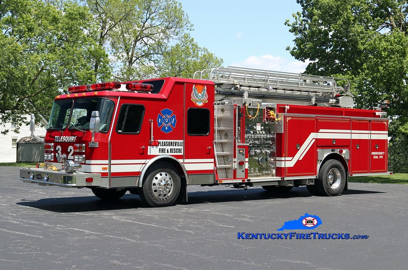 RETIRED <br /> Pleasureville  Telesquirt 4432<br /> x-Ewing Twp, NJ <br /> 1997 E-One Hush 1500/500/50/50' TeleBoom<br /> Kent Parrish photo