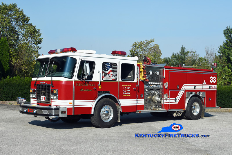 Pleasureville  Engine 4433<br /> x-Worthington, KY & Lake Jericho, KY<br /> 1993 E-One Cyclone TC 1500/750<br /> Kent Parrish photo