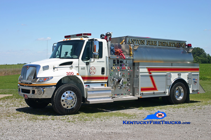 <center> Anton  Tanker 300 <br> 2006 International 4400/Bluegrass 1250/2000/30 <br> Kent Parrish photo </center>