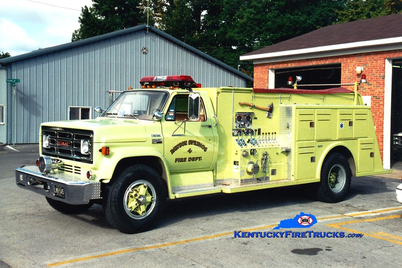 <center> RETIRED <br> Dawson Springs  Engine 4 <br> 1980 GMC/Towers 1000/750 <br> Greg Stapleton photo </center>