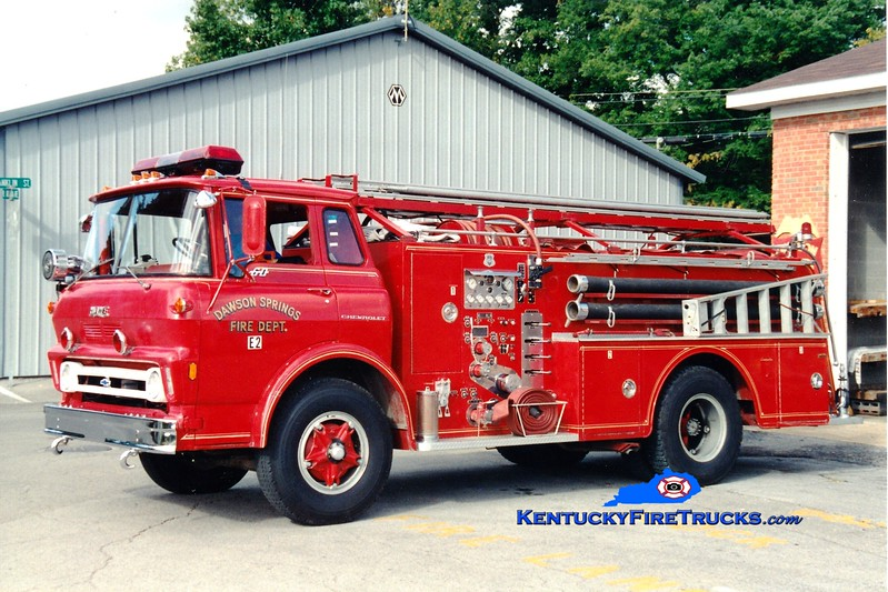 <center> RETIRED <br> Dawson Springs  Engine 2 <br> 1970 GMC/Howe 750/500 <br> Greg Stapleton photo </center>