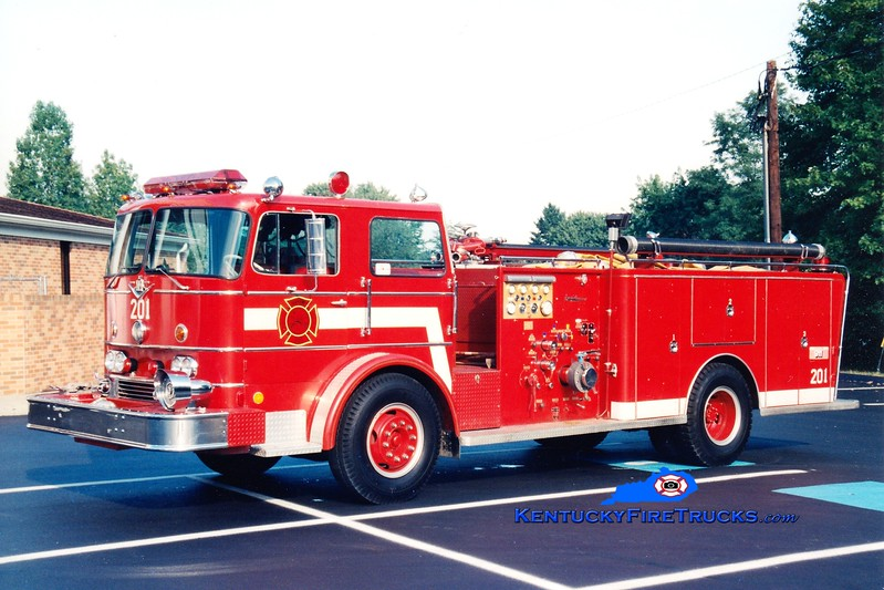 <center> RETIRED <br> Grapevine  Engine 201 <br> 1969 International CO-8190/General Safety 1000/800 <br> Greg Stapleton photo </center>