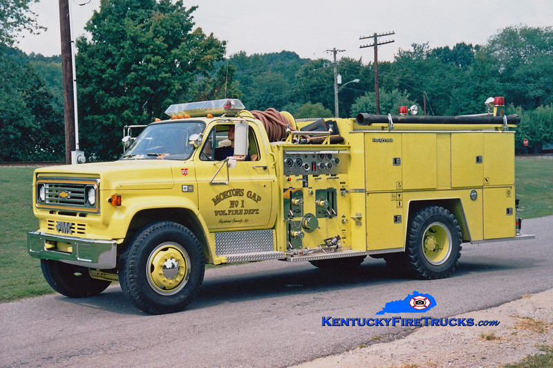 <center> Mortons Gap  Engine 1102 <br> 1984 Chevy/FMC 750/750 <br> Greg Stapleton photo </center>