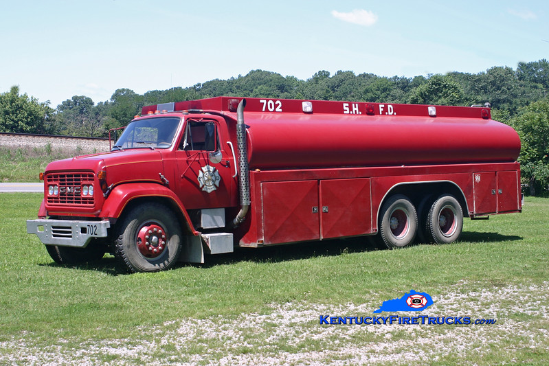 <center> RETIRED <br> South Hopkins  Tanker 702 <br> 1970 GMC/Local 250/5000 <br> Kent Parrish photo </center>