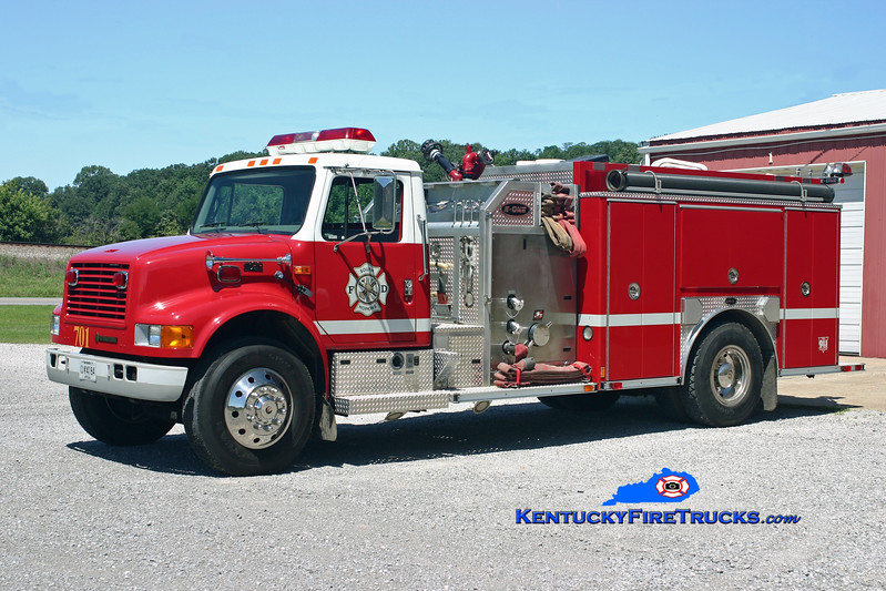 <center> RETIRED <br> South Hopkins  Engine 701 <br> 2000 International 4900/E-One 1250/1000 <br> Kent Parrish photo </center>