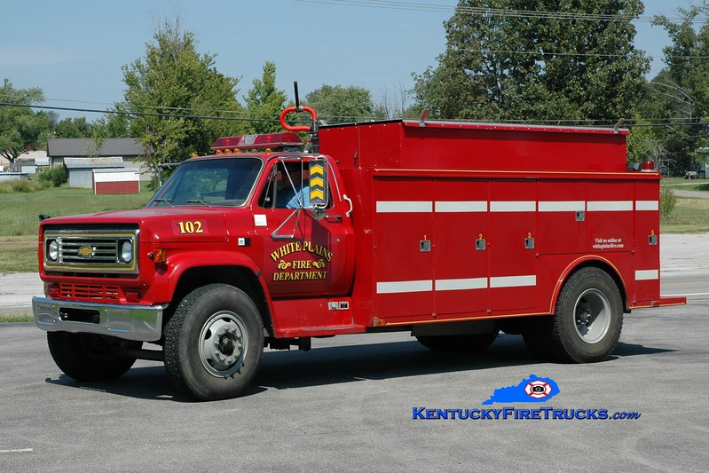 <center> White Plains  Tanker 102 <br> x-Wadesville, IN <br> 1986 Chevy/Warner 450/1500 <br> Greg Stapleton photo </center>
