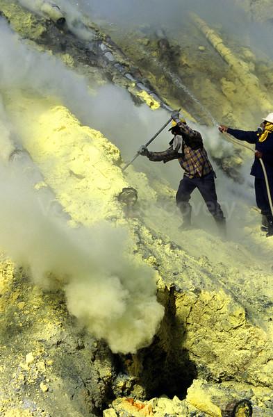 Sulphur workers