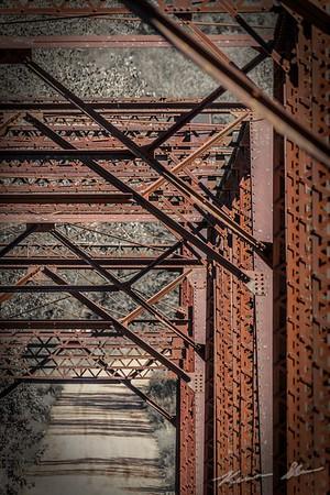 Close-ups of the Wagon Wheel Bridge in Boone County
