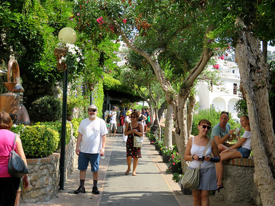 Where via Camerelle meets via Tragara, a relatively easy 20-30 minute walk from the town of Capri down to Belevedere Tragara.
