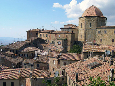 Volterra, another of the small towns in Toscana that we visited.