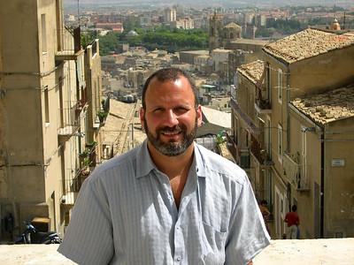 Joe in Caltagirone at the top of La Scala di Santa Maria.