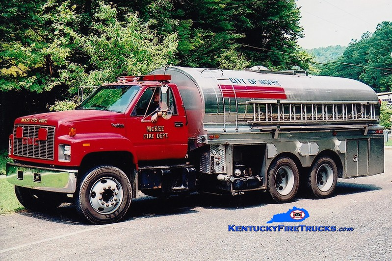 <center> McKee  Tanker 1  <br> 1995 GMC/Brenner  250/3300  <br> Greg Stapleton photo </center>