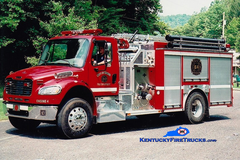 <center> McKee Engine 4  <br> 2005 Freightliner M2-106/E-One 1250/1000  <br> Greg Stapleton photo </center>