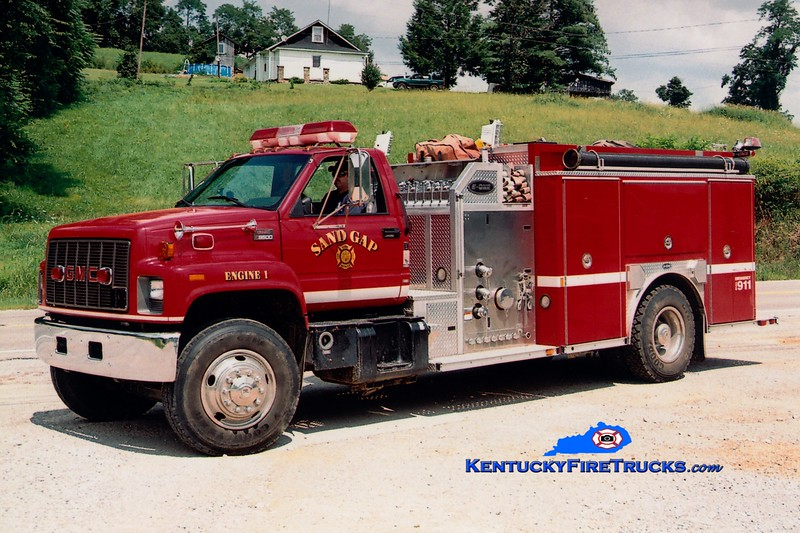 <center> Sand Gap  Engine 1  <br> 2001 GMC C8500/E-One 1250/1000 <br> Greg Stapleton photo </center>