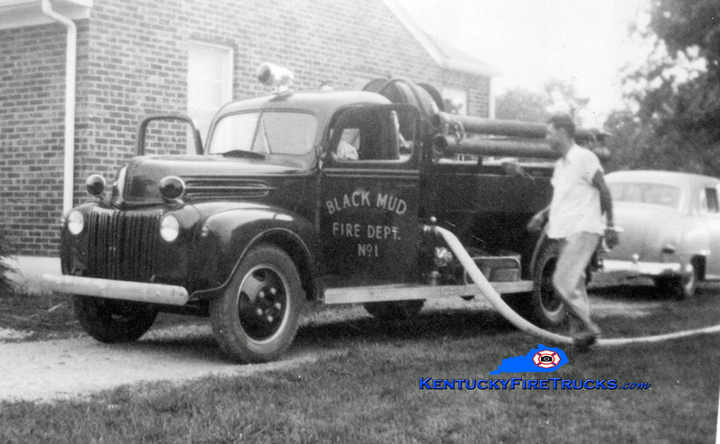 RETIRED<br /> Black Mudd Engine 1<br /> 1946 Ford/Howe 500/300<br /> Kent Parrish collection
