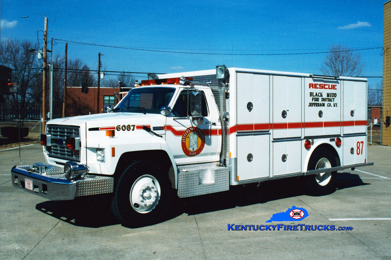 <center> NO LONGER IN SERVICE <br> Black Mudd Rescue 6087 <br> 1985 Ford F-800/Marion <br> Greg Stapleton photo </center>
