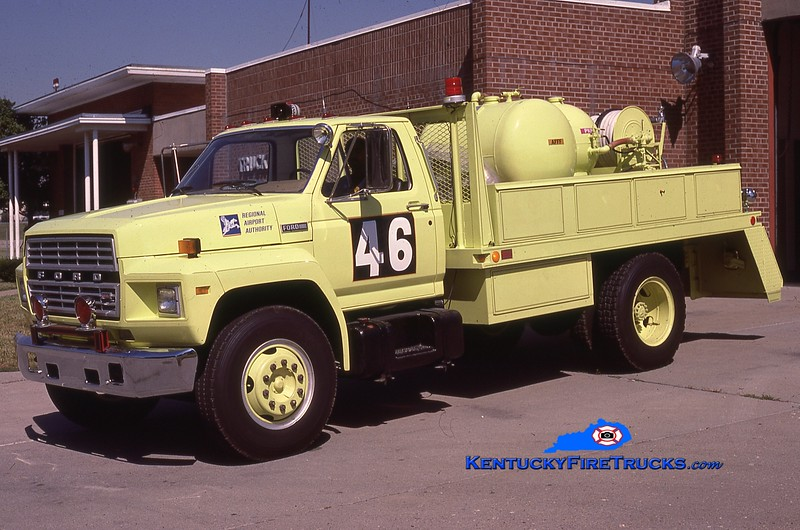 RETIRED <br /> Louisville Regional Airport Authority - Bowman Field  Rescue 46<br /> x-Rescue 44 (at Standiford Field) <br /> 1986 Ford F-800/Fire Tec 100F/500#DC/150#H <br /> Kent Parrish collection