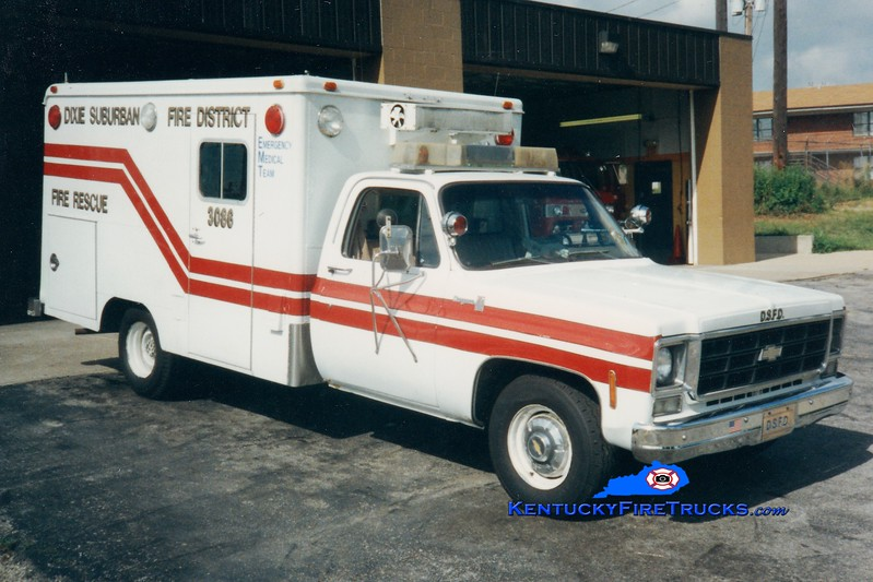 <center> RETIRED <br> Dixie Suburban  Rescue 3086 <br> 1978 Chevy/Modulance <br> Greg Stapleton photo <center>