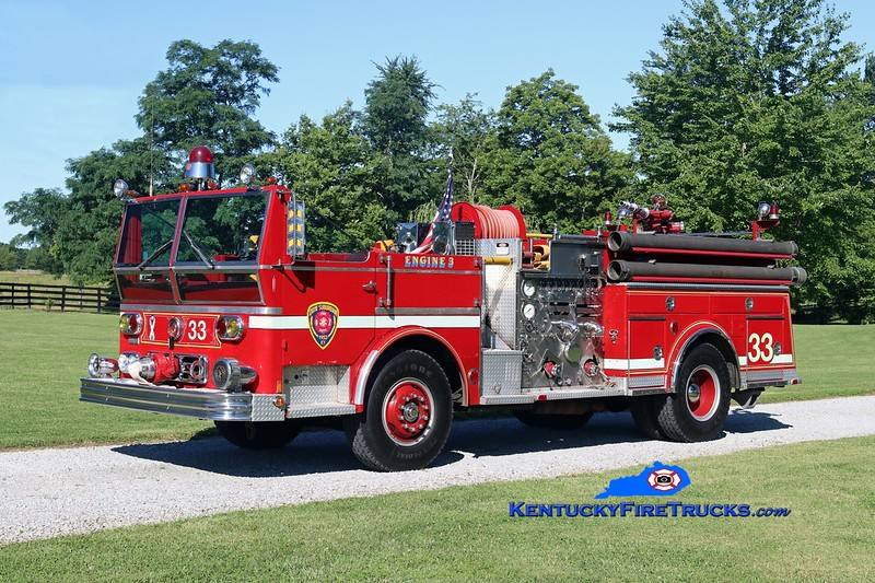 PRIVATELY OWNED <br /> Dixie Suburban  Engine 3033<br /> x-Middletown, KY<br /> 1977 Ward LaFrance Ambassador 1000/500<br /> Kent Parrish photo