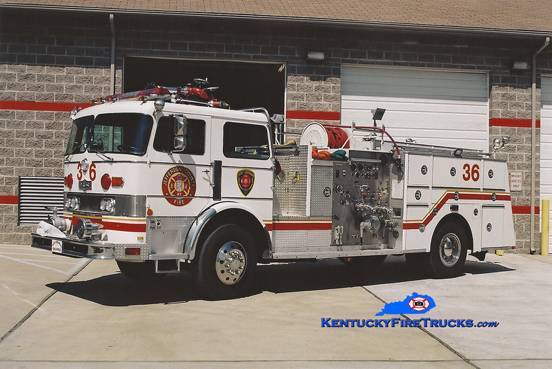 <center> RETIRED <br> Dixie Suburban  Engine 3036 <br> x-McMahan, KY <br> 1978 Pirsch 1750/300 <br> Kent Parrish photo <center>
