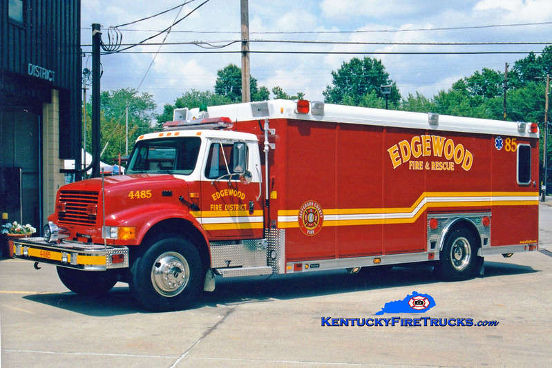 <center> RETIRED <br> Edgewood  Rescue 4085 <br> 1999 International 4900/Hackney  <br> Greg Stapleton photo </center>