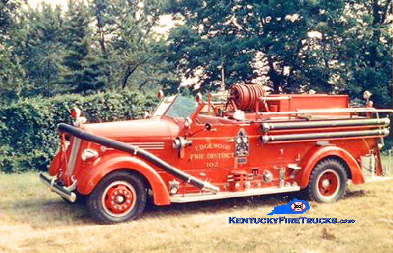RETIRED <br /> Edgewood Engine 102 <br /> x-Jefferson County FD & Jeffersontown, KY <br /> 1947 Seagrave 750/500<br /> Kent Parrish collection
