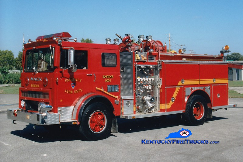 <center> RETIRED <br> Fairdale  Engine 9034  <br> 1977 Mack MB/1986 E-One 1250/1000 <br> Greg Stapleton photo </center>