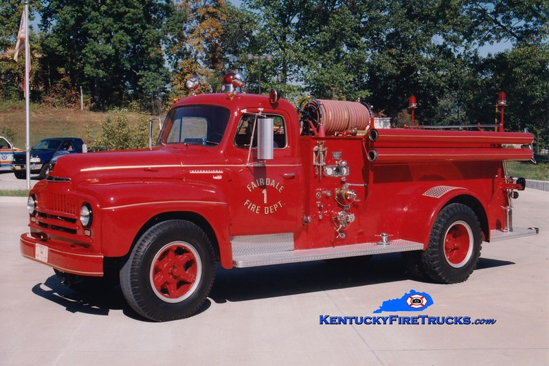 <center> Fairdale Engine 1  <br> 1951 International/Luverne 500/500 <br> Greg Stapleton photo </center>
