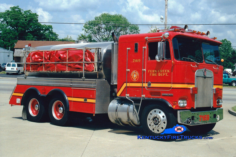 <center> RETIRED <br> Fern Creek  Tanker 7169 <br> 1977 Kenworth/1987 Summit 0/3000 <br> Greg Stapleton photo </center>