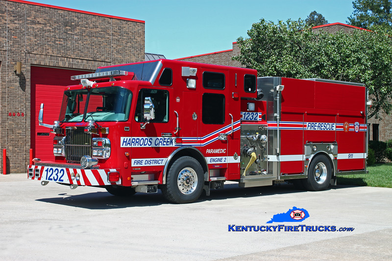 <center> Harrods Creek Engine 1232 <br> 2007 Spartan Gladiator/Custom Fire 1500/600/10/40 <br> Kent Parrish photo </center>