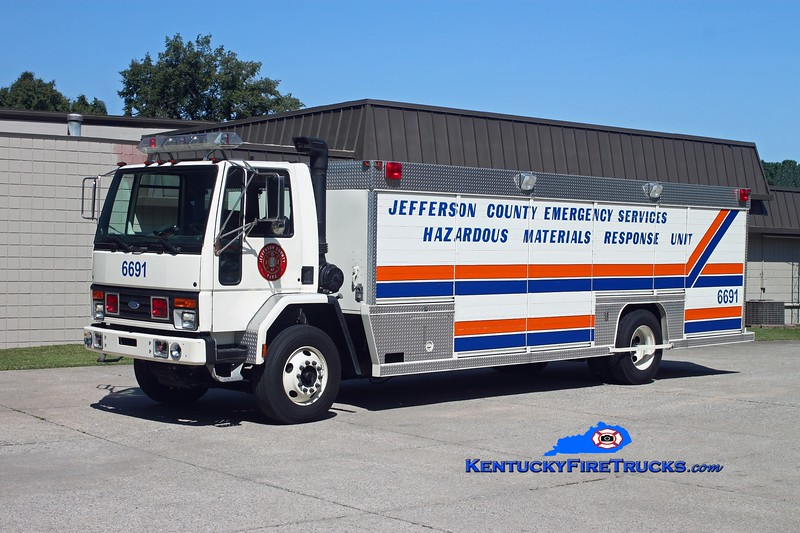 <center> Jefferson County Fire Service Unit 6691 <br> x-Jefferson County EMS <br> 1993 Ford CF-8000/Betten <br> Kent Parrish photo <center>