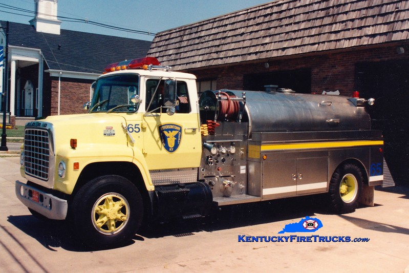 <center> RETIRED <br> Jeffersontown  Tanker 3365  <br> 1981 Ford LN8000/Indiana/Bluegrass 400/1850 <br> Greg Stapleton photo </center>
