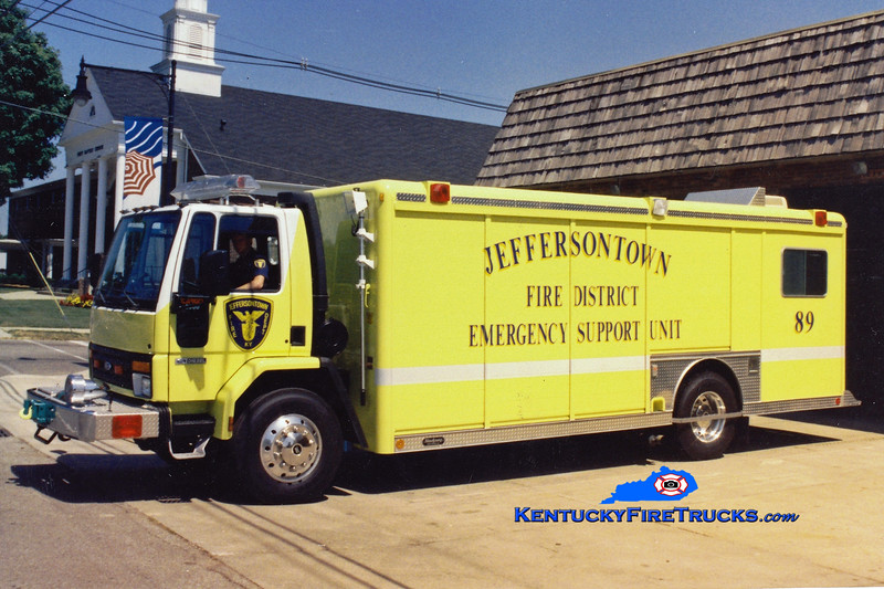 RETIRED<br /> Jeffersontown Support 3389<br /> 1991 Ford CF-8000/Hackney<br /> Greg Stapleton photo