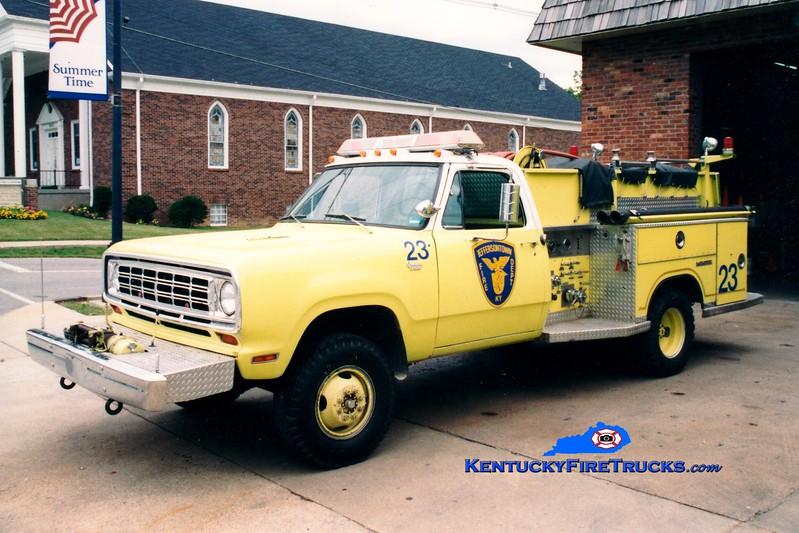 <center> RETIRED <br> Jeffersontown  Engine 3323  <br> 1975 Dodge W300 4x4/Saulsbury  400/250 <br> Greg Stapleton photo </center>