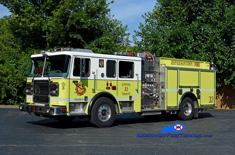 Jeffersontown Engine 3332<br /> x-Engine 3338 <br /> 2013 Seagrave Marauder II 2000/750<br /> Kent Parrish photo